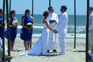 Beach-Wedding-Officiants
